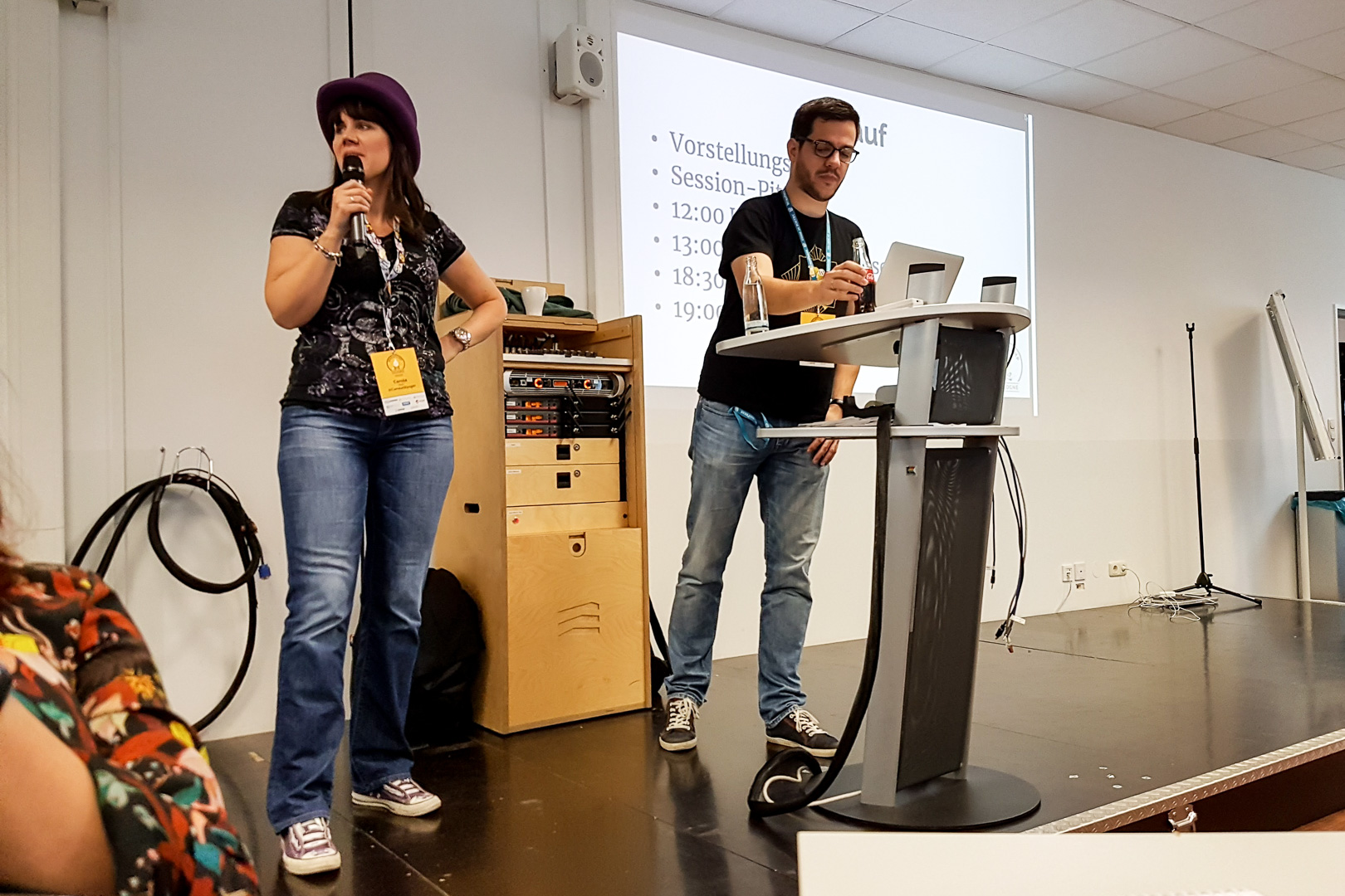 WordCamp Cologne, opening remarks by Carole Olinger and Marc Nilius