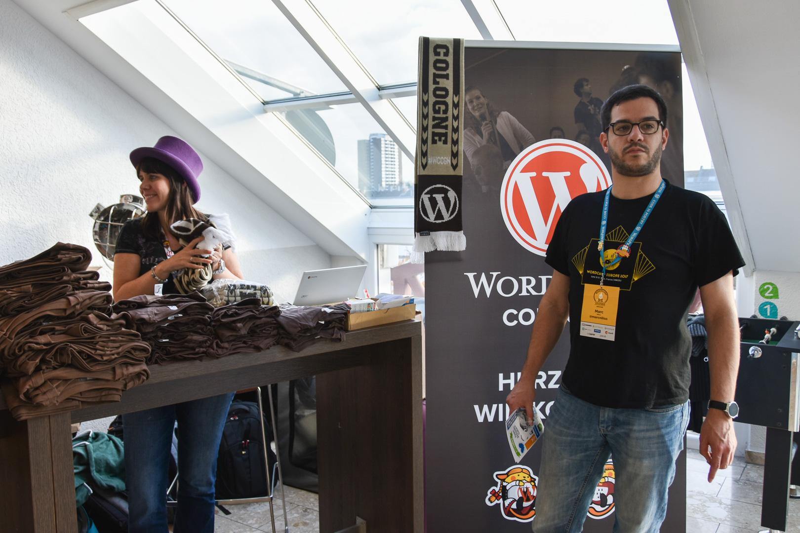 WordCamp Cologne, registration Desk, Carole Olinger and lead organizer Marc Nilius
