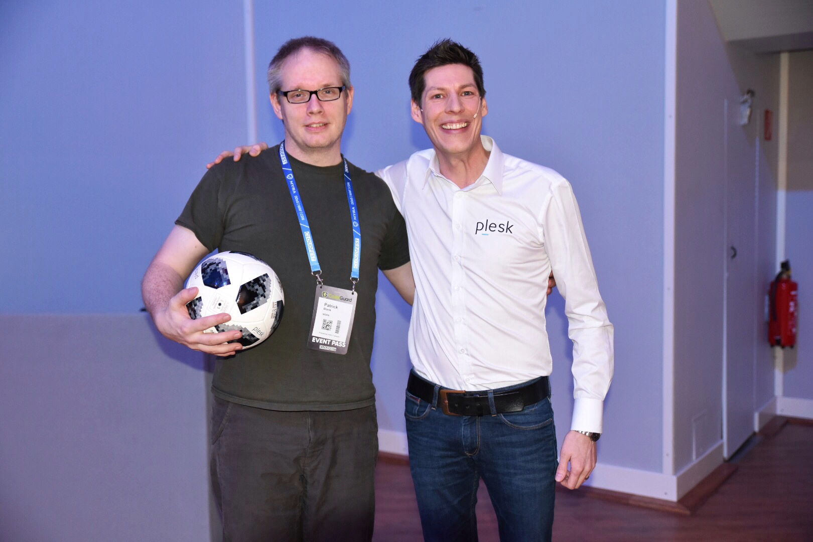 Plesk Cloudfest 2018 Talk - Jan Loeffler with football winner Patrick Blank from WSPN